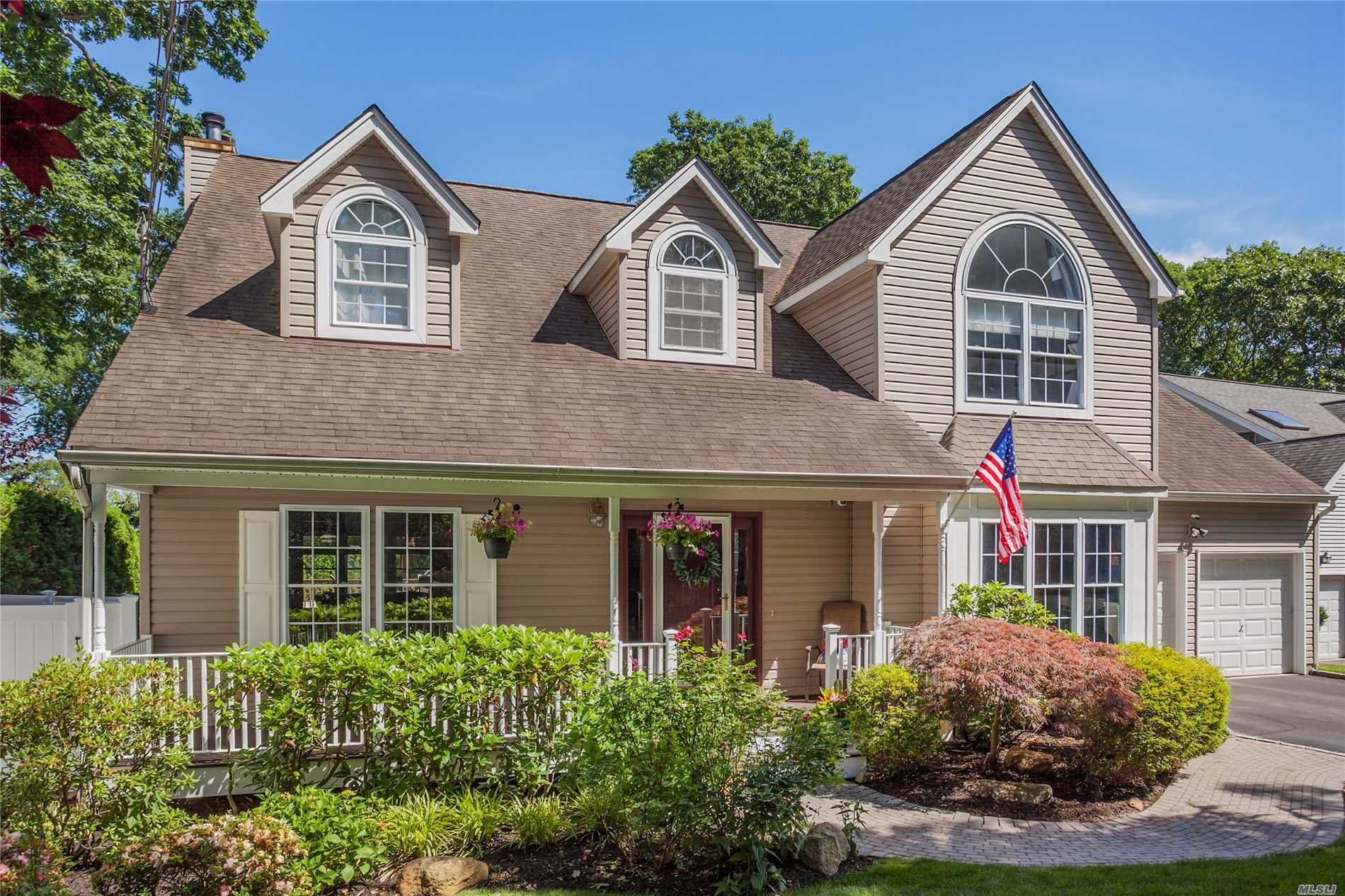 Spacious 1998 Post-Modern Colonial. Pretty Front Porch, Two Story Entry, Open Floor Plan, Hardwood Flrs, Granite Counter-Tops, Ss Appl, Eat-In-Kitchen, Family Room W/Fpl, Laundry/Mud Room. Mstr Suite W/ Lge Walk-In Closet, Cac, Cvac, Alarm System, Ing Sprinklers, Skylights, Attic,  Perfect Yard For Entertaining Bi-Level Deck.Fun Basketball Court W/ New Turf. Award Winning Harborfields Sd. Minutes To Lirr, . Enjoy Boating, Fishing, Kayaking At Near By Beaches.Home Warranty.