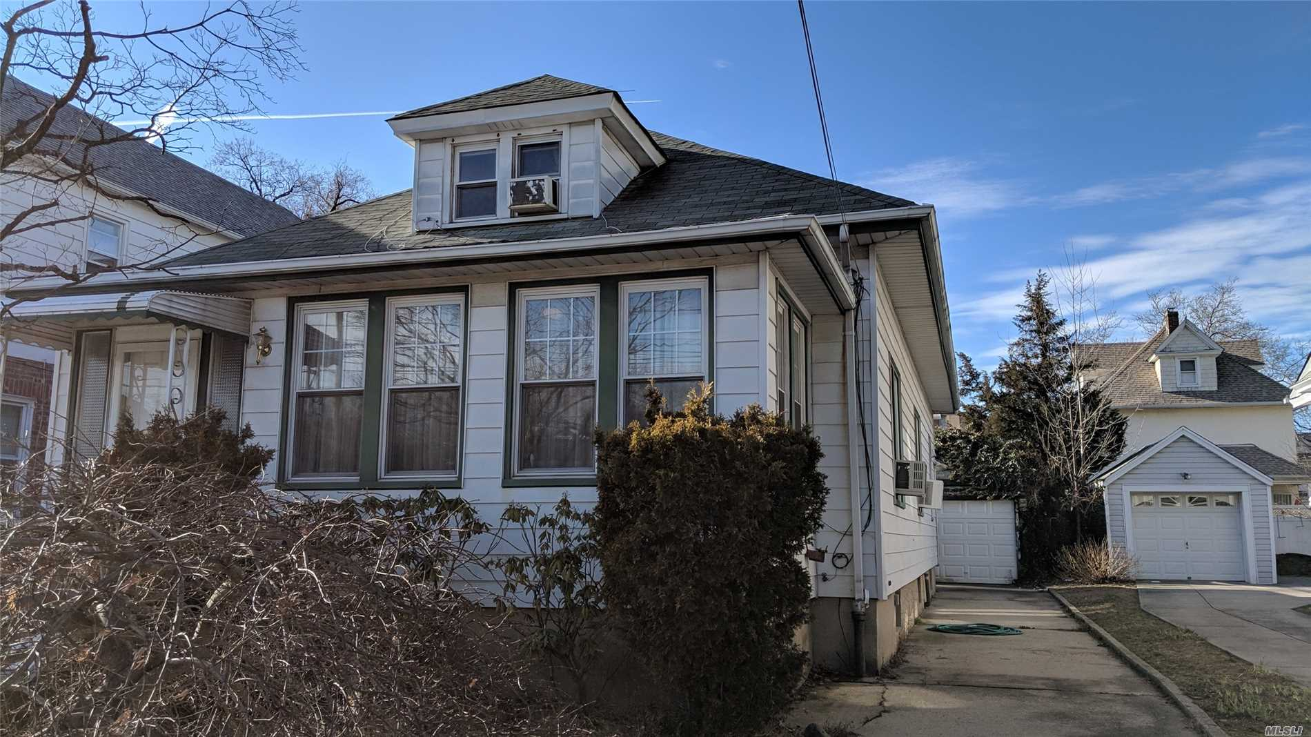 Large Detached & Renovated 1 Family With Granite Kitchen And 5 Bedrooms. Located Nearby Kissena Park, And Public Transportation. Private Driveway With 1 Car Garage.