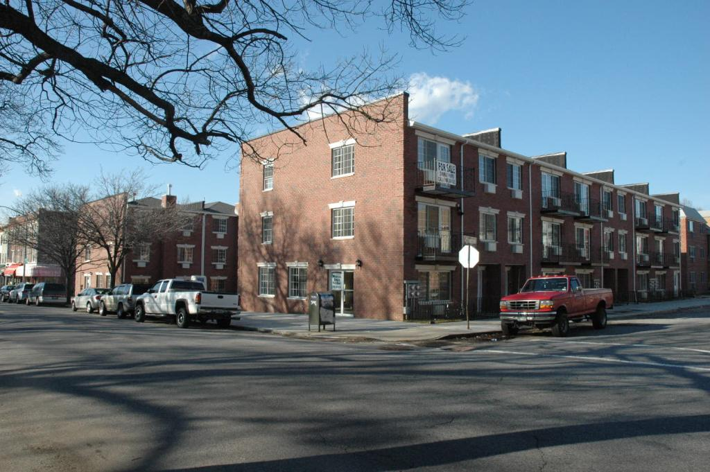 Commercial Rental Opportunity In Glendale! Features 960 Interior Square Feet, Plus Basement For Storage. Includes 2 Parking Spots & Is Located On The Corner Of Myrtle Ave. Close To Public Transportation And Jackie Robinson Pkwy. A Must See!!!