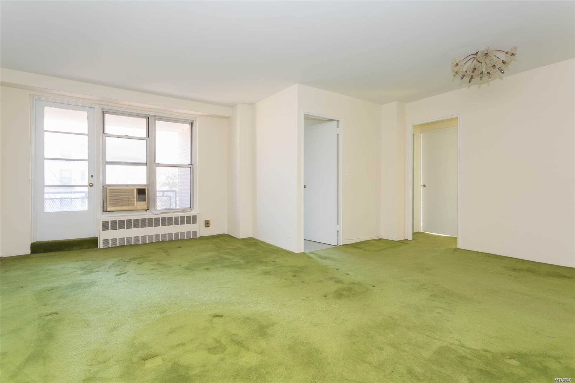 Move Right In To This Spacious 2Br/1 Bathroom Co-Op In Jackson Heights Featuring Spacious Bedrooms And Living Room, Terrace And Plenty Of Closets! Close To Shopping And Transportation