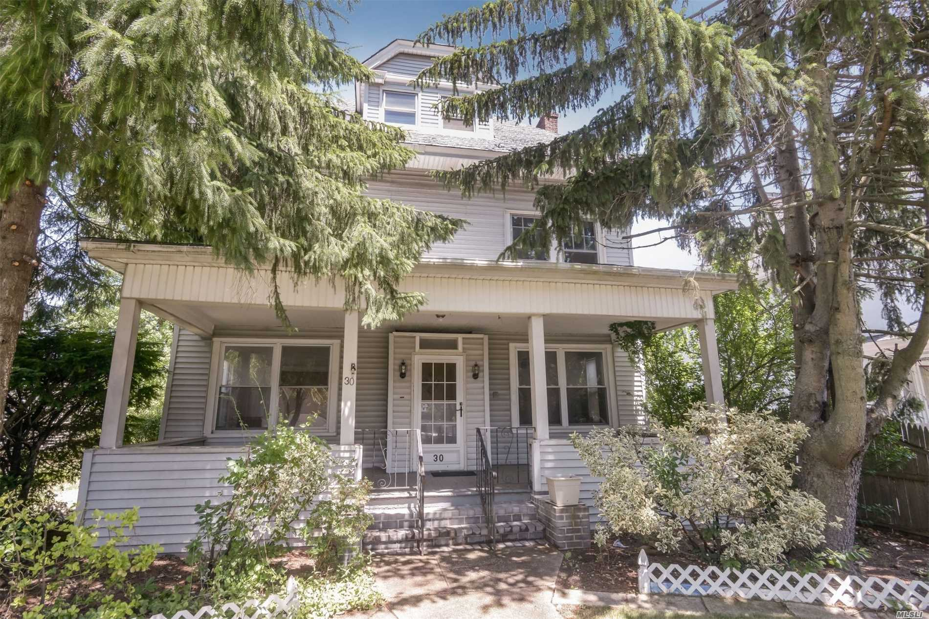 Old Woodmere Dutch Colonial Boosts 4 Bedrooms Plus And 2 Full Bathrooms .Builder's Special. Call Your Investors Or Buyers Who Want To Create Their Own Design. This House Needs Tlc But It Has Great Bones. Location Is Awesome. Close To All. Taxes Have Not Been Grieved. New Boiler. Full Basement