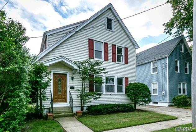 Beautiful Colonial, Located On A Quiet, Tree Lined Street In Williston Park. There Are Hardwood Floors Throughout, A Full Finished Basement, And Large Attic. Herricks School District. Close To Al Major Highways, Excellent Shopping And Great Restaurants!!!