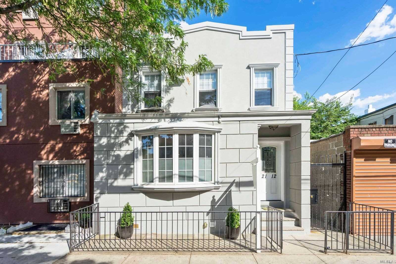 Renovated Semi Detached 1 Family Home In Mint Condition. Large Rooms, 2.5 Bathrooms, Attic, Modern Kitchen With Ss Appliances,  2 King Sized Bedrooms And 1 Standard Sized Bedroom. Full Finished Basement. Nice Private Yard With Rear Deck And 2nd Fl Back Terrace.