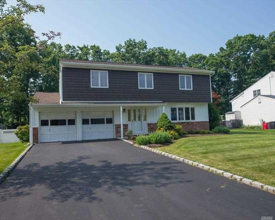 Beautifully Maintained And Clean 4 Bedroom, 2.5 Bath Splanch In Lovely Hauppauge Neighborhood, Fabulous
