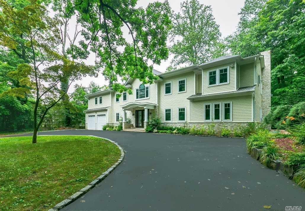 Private Estate Setting, Grand Custom Colonial On Beautiful Park-Like Property. Open Layout, High Ceilings, Exquisite Moldings, Gourmet Kit, Designer Baths, Laundry Room. Wonderful Home For Entertaining. Prestigious Roslyn School District.