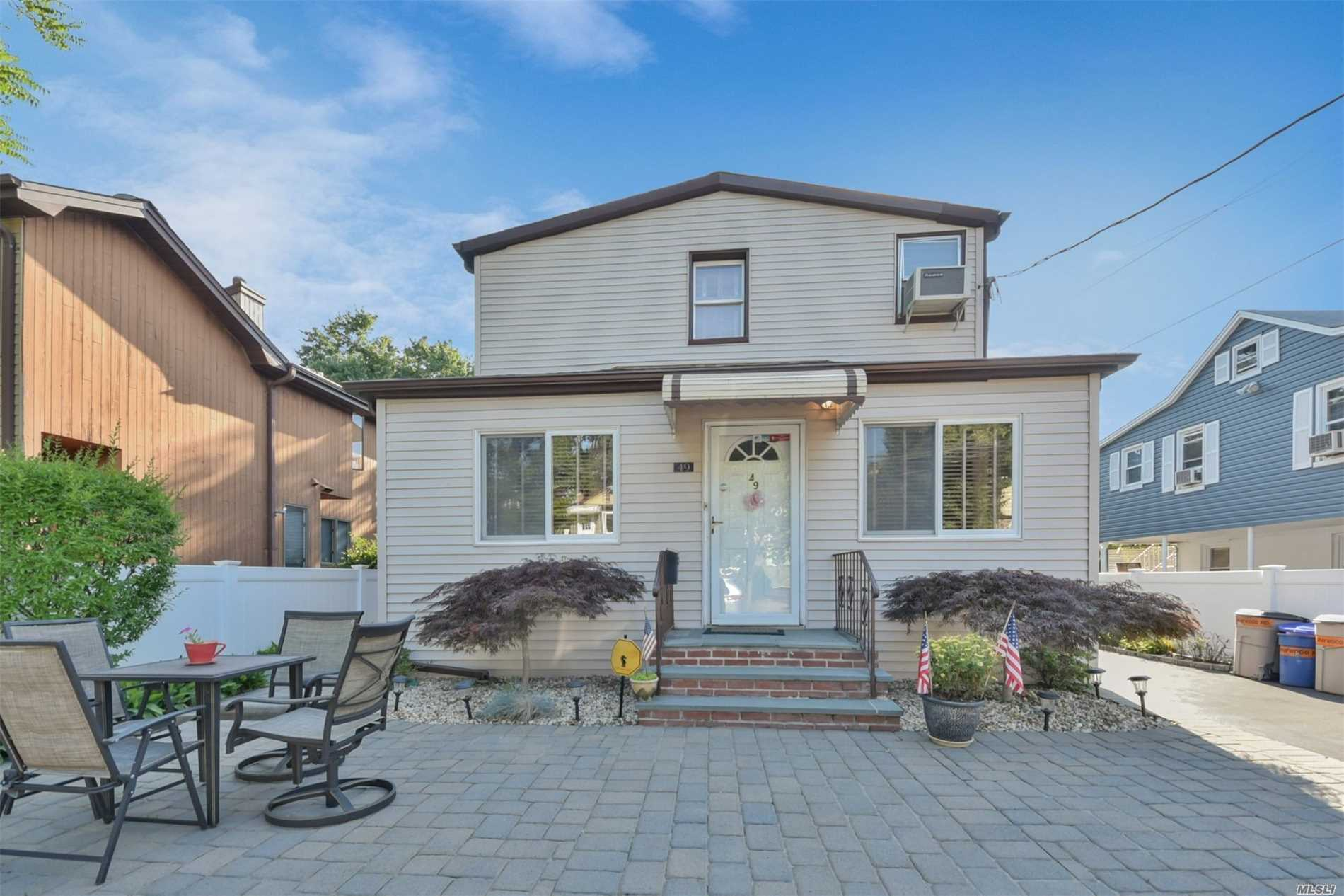 Immaculately Maintained, Ready To Move In, Great Investment Opportunity. . Home Features Updated Kitchens, Baths And Spacious Bedrooms. Beautiful Backyard Affording Tremendous Privacy, With Shed For Storage. Roof Still Under Warranty. Burglar Alarm And Security .Seeing Is Believing. Won't Last.