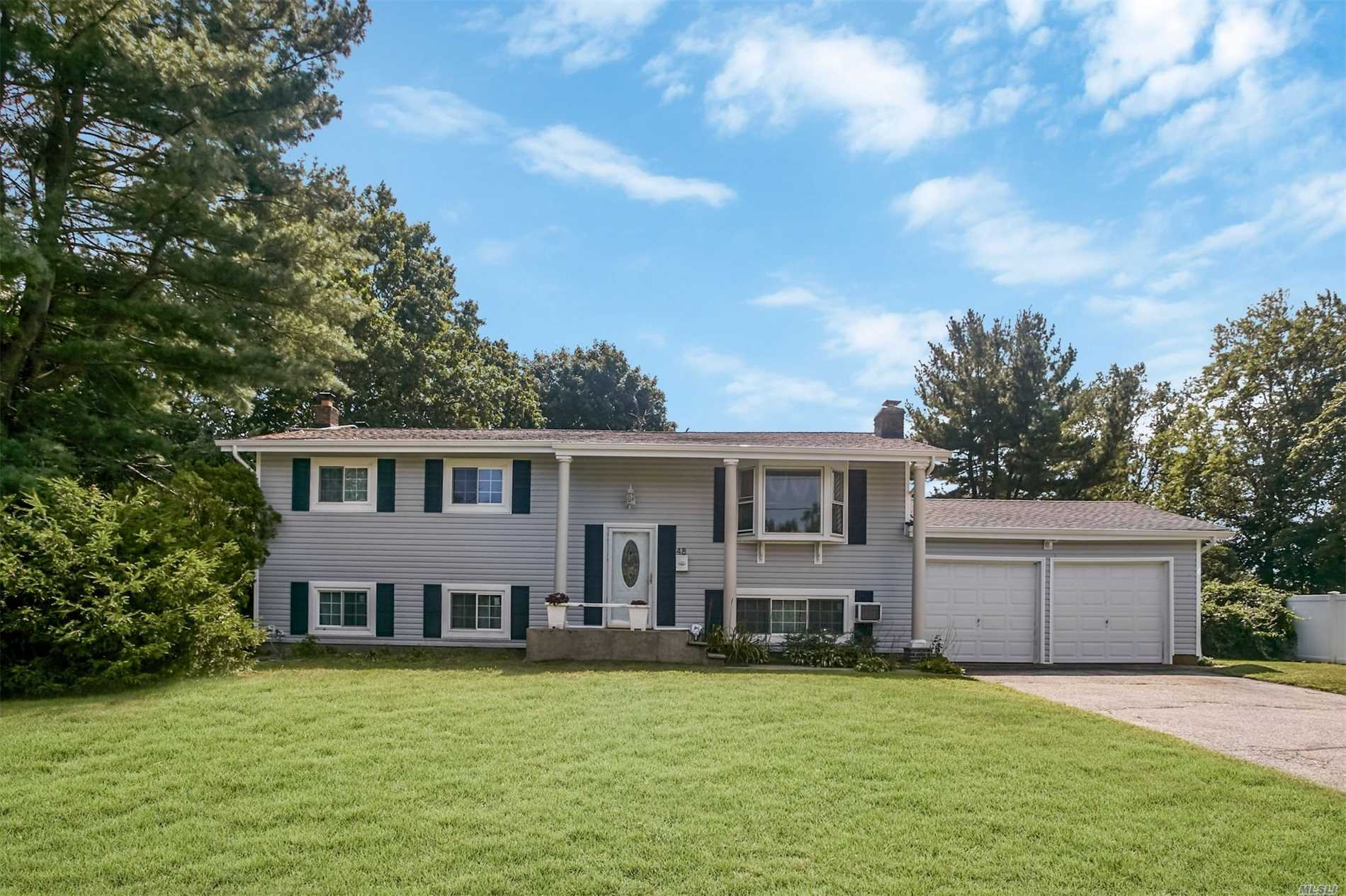 Gorgeous 5 Bedroom 2 Full Bathroom Hi Ranch In Wheatley Heights And Half Hollow Hills School District. Large Backyard With Pool, And Huge Deck. Wow There Just Too Much To Write About. This A Must See Now It Wont Last Make An Appointment Today.