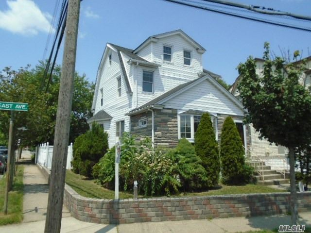 Large Colonial With 6 Rooms 3 Bedrooms And 2 Bath. Corner Property. Detached Garage. Close To Shopping, Transportation And Major Roadways.