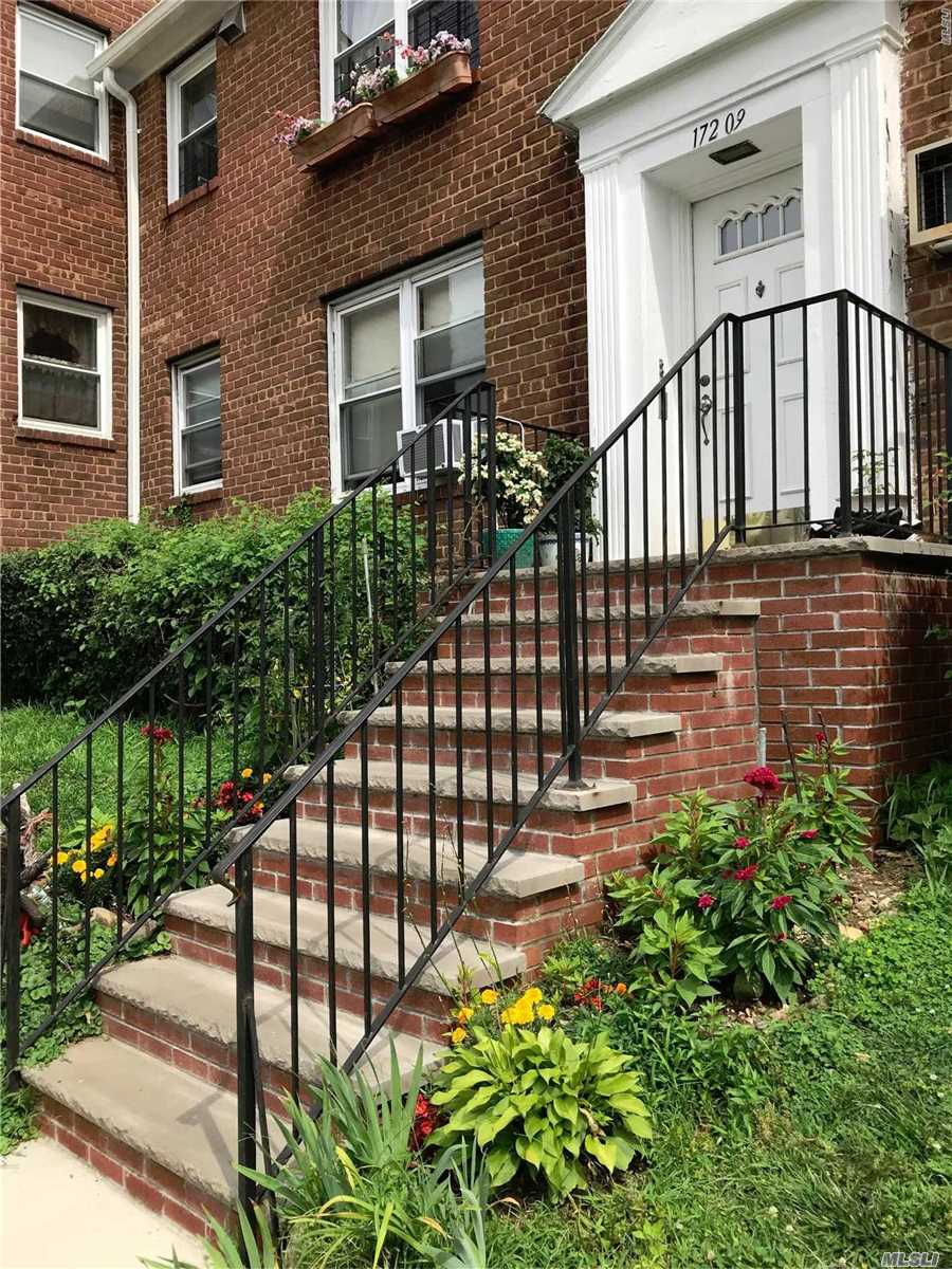 Cozy 1 Bedroom- Sunlit- Renovated Kitchen, Ss Appliances, Maple Wood Cabinets, Silas Stone Countertops, Marble Kitchen Floor, 4 Blocks To Lirr, Bus To 7 Train, Near All Schools. No Flip Tax, Wait List For Parking, Parking Charges- $125/Month, 15% Down Payment