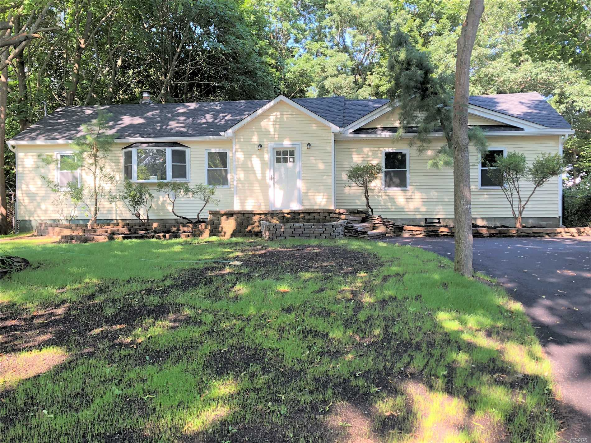 Gorgeous Fully Renovated 3 Bedroom, 1 Bath Move-In Ready Home Featuring Hardwood Floors Throughout And Stainless Steel Appliances!