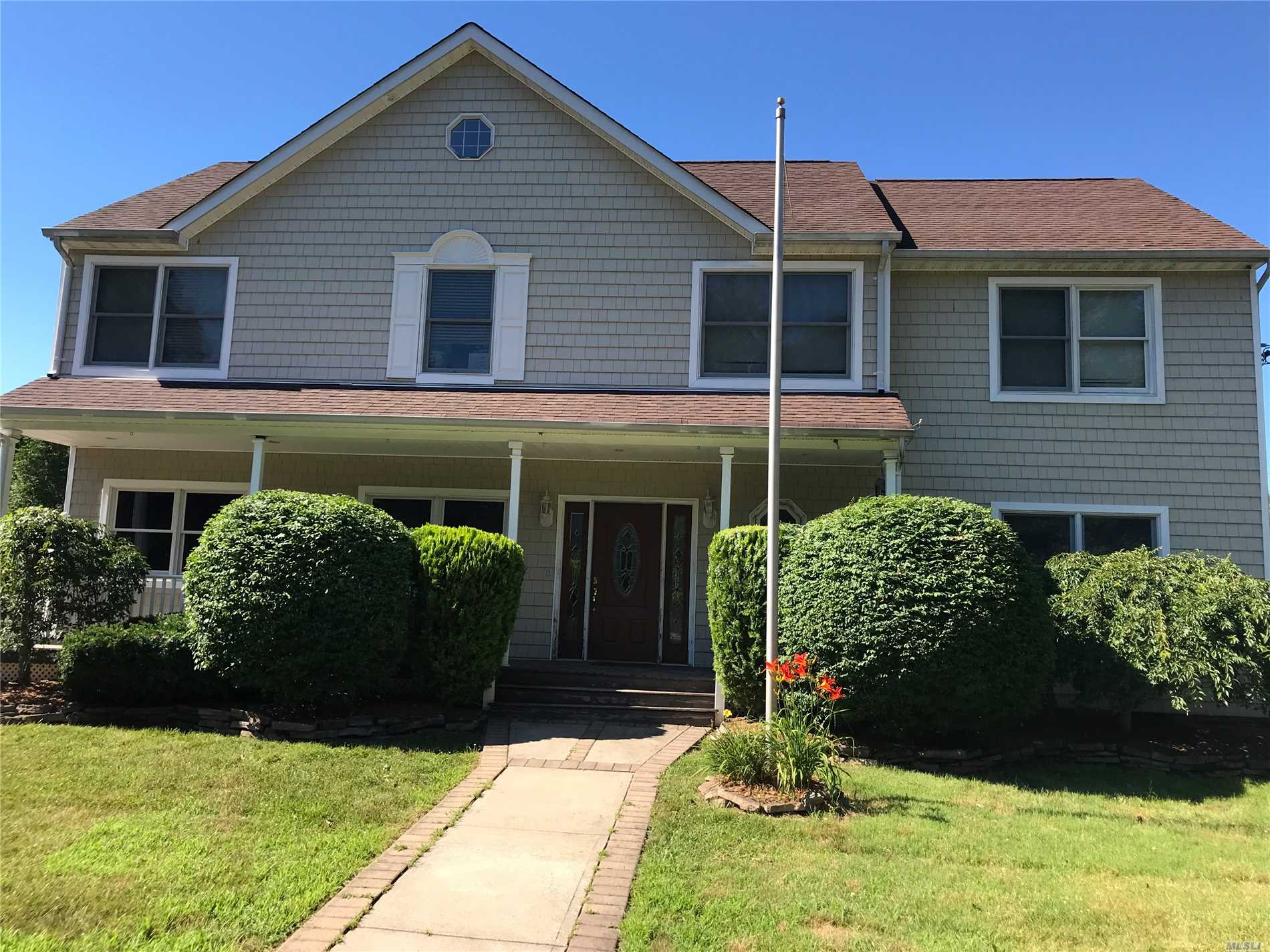 Custom 5 Bedroom Colonial. Home Features Oak Floors And An Extensive 2003 Extension. Oversized Master Bedroom Suite. Finished Basement W/Walkout Entrance, Cac, Detached 1.5 Car Mechanic Garage And Much More. Sold As Is.