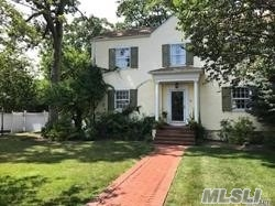 Charm! Ch Colonial, Near Shops, Lirr, More! Young Birch Kit And Young Baths, 200 Amps, 2 Zone  Cac Include Bsmt, Some Andersons, Hardwoods, Custom Moldings, Large Rooms W/Hi Ceiling! Mbr Has Bath, Oven/Dryer Asis. Gas Stove Top/Line For Bbq Outside, Sunny/Brite,  Large Private Lot Both Side And Back.