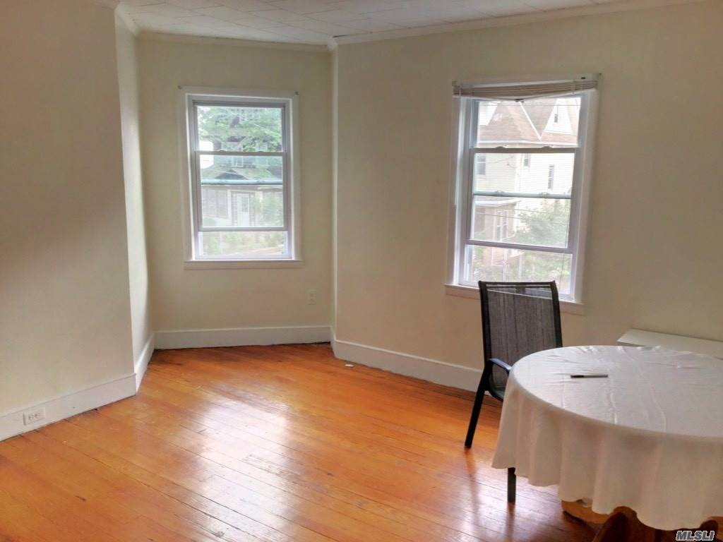 Beautiful And Well Located 2 Bedroom Apartment In Richmond Hill North. It Is On The 2nd Floor Of A Private Home. Lr/Dr, 2 Bdrms, Large Eik, Large Bathroom. Access And Use Of Very Large 3rd Fl Attic Space. Close To J Train And Buses On Jamaica Ave. All Conveniences Nearby.