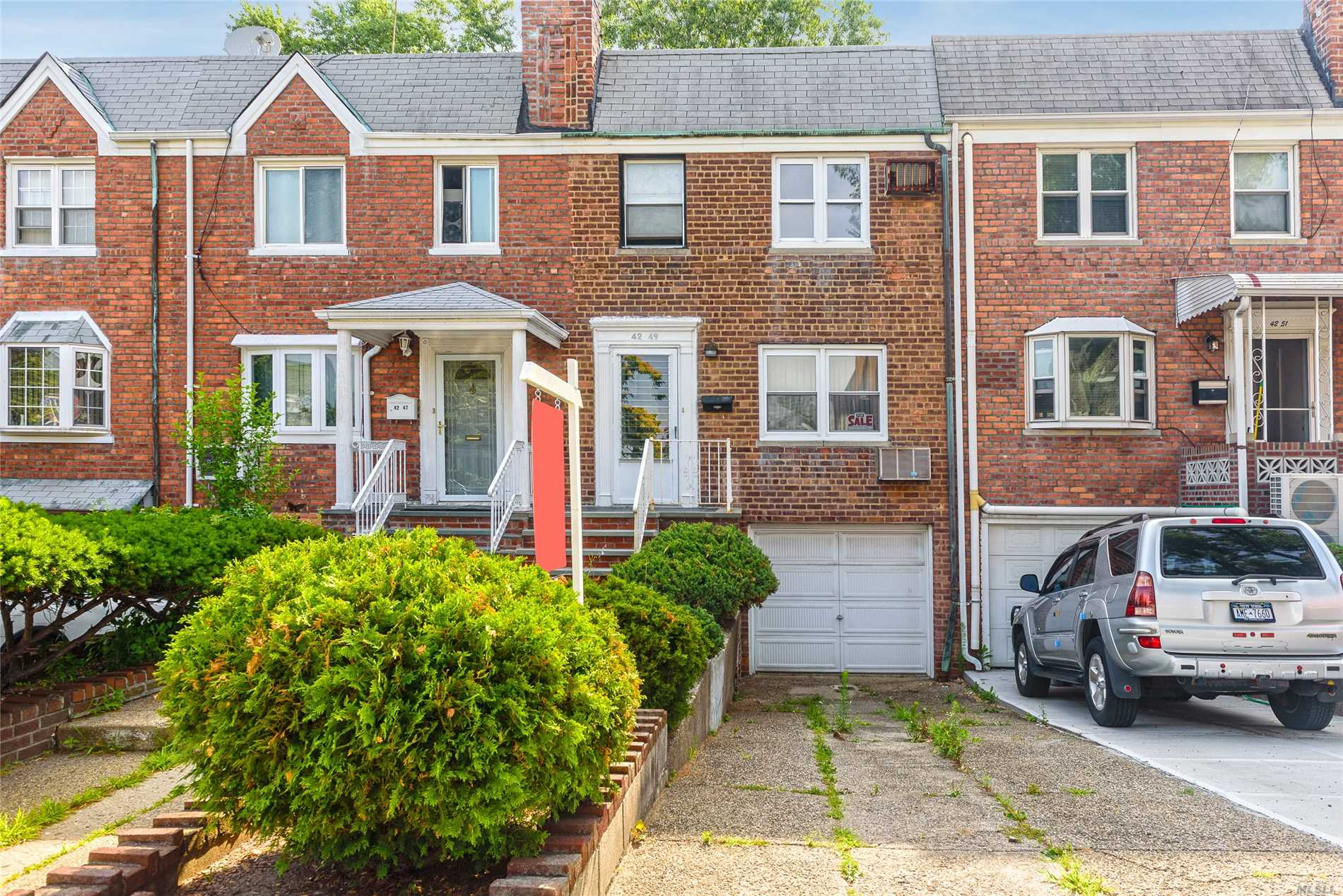 Location! Location! Location!  3Br/1.5Bth Gas Heated Colonial Conveniently Located 3 Houses Away From Northern Blvd (Buses, Restaurants, Bank) On A 18X120 Lot.  Updated The Home To Your Exact Specifications And Desires. Low Taxes And Loads Of Potential!!!