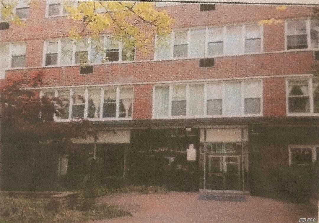 Completely Renovated Studio With Granite & Stainless Steel Kitchen. Close To All Transportation And Shopping. Full Credit Report, Proof Of Income And Assets Are A Must.
