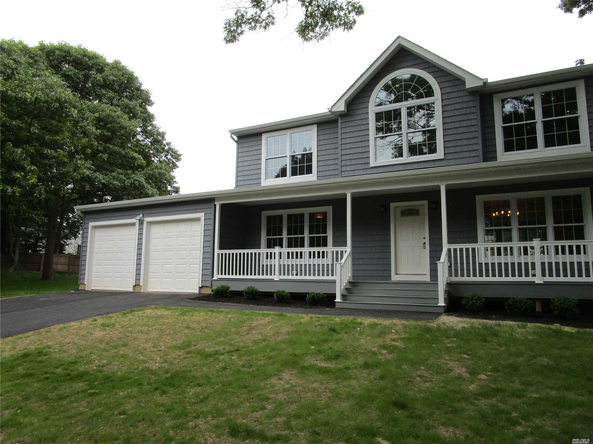 Beautiful New Home To Be Built 4 Bedrooms 2.5 Baths Hardwood Floors Den With Fireplace Formal Dining And Living Rooms Eat-In-Kitchen With Granite Crown Molding,  2 Car Garage And Full Basement. Lot Is .48 Flat Property Great Location In Sachem Schools Photos Are Of Similar Home, This Home Is To Be Built. Time To Customize.