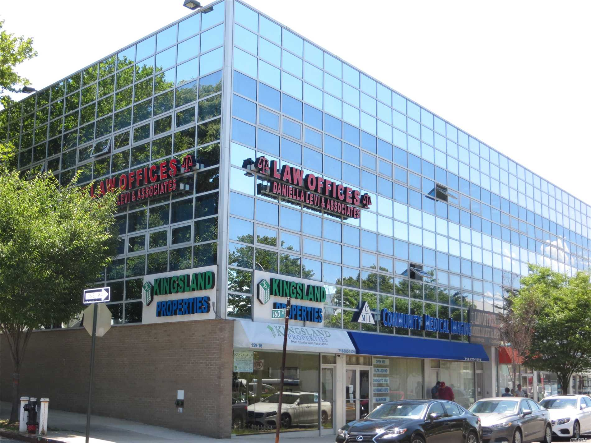 Super Convenient Location, Commercial Office And Retail Building, Across Street Form Cornerstone Medical Art Center. Half Block To Bus Q46, Which Connects To E & F Trains To Manhattan. Professional Office Good For Attorney, Cpa, Architect, Insurance, Trading.