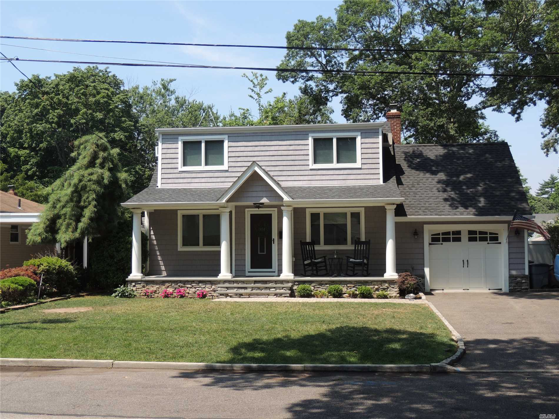 Click Those Ruby Red Shoes And Repeat After Me There Is No Place Like Home..Mint 3/4 Bedroom 2 Bath Colonial Located In A Private Cul-De-Sac..New Roof/Siding/Wndws/Bath..Updated Eik W/Ss Appls..Fdr..Living Rm W/Custom Built Ins & Fam Rm W/Fplc..Gleaming Wd Flrs..Hi-Hats & Crown Molding..Extra Br For Mom..Updated 200 Amp Elec & Boiler/Hot Wtr Htr..King Master Br W/Dbl Closets..Gorgeous Fenced In Huge Bkyd..Prof Land W/Igs & Pavers..Garage W/Huge Loft Stor..Picturesque Front Porch..Low Taxes..
