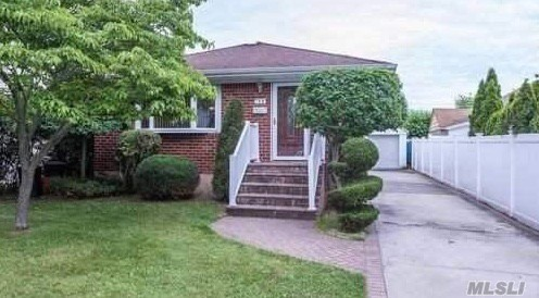 Meticulously Maintained Inside & Out W/ Beautiful Curb Appeal. This 3 Bedroom, 2 Full Bath Ranch Boasts Hardwood Floors, Full Finished Basement W/ Separate Entrance, Private Fenced Yard. Alarm System, Brand New Anderson Front Door, Siding & Bathroom. Franklin Square School District #17. Convenient To All. Move Right In!! You Must See It, To Believe It !!!