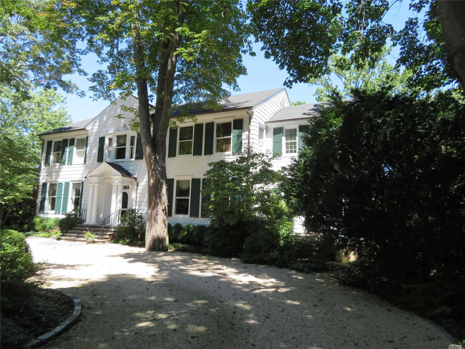 Fabulous Waterfront Colonial, Private Beach, Dock, Water Views From Most Of The Windows, Spacious And Bright.Cac, All Updated, Charming Kitchen And Breakfast Room. Surround Sound In All Rooms.