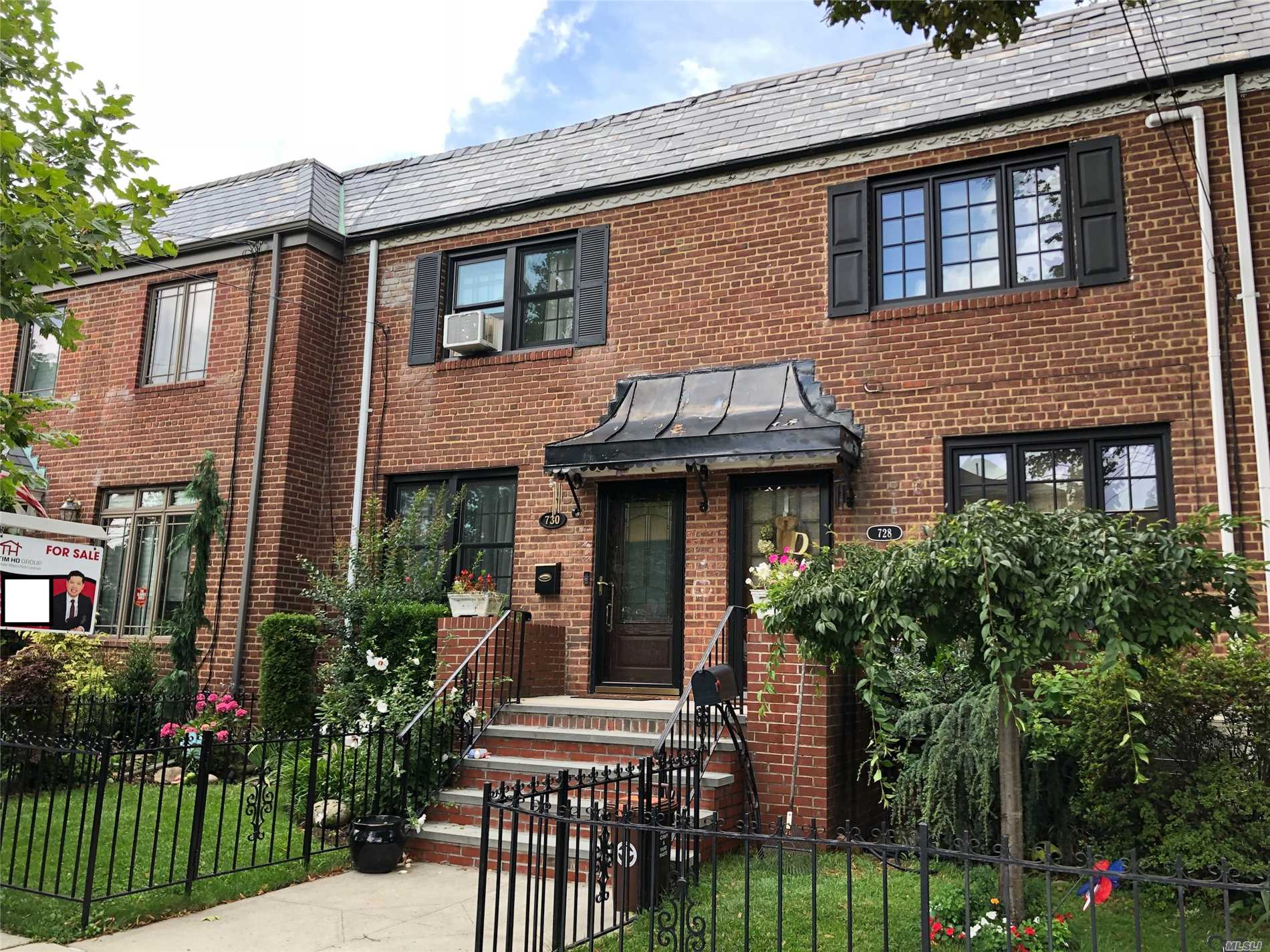 Location Location!Located In The Heart Of Beechhurst With Views Of Both The Throgs Neck And Whitestone Bridge. Beautifully Renovated Solid Brick Colonial In Prime Beechhurst. Move Right Into This Turnkey Home, Beautifully Updated Kitchen, Split Duct A/C, Beautifully Finished Hardwood Floors. Large Family Room And Brand New 1/2 Bath And Laundry Room. Close To Transportation, Shopping, Schools, House Of Worship. Call Now For Appt, Will Not Last!