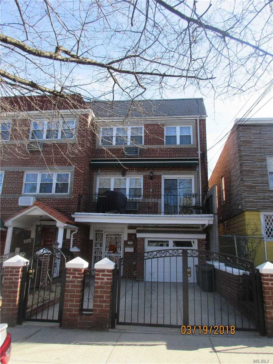 Beautiful 2 Bedroom Apartment On 2nd Floor Of Private Home With Garage And Private Driveway Included, Balcony, Window Treatments, Tenant Responsible For The Maintenance Of 3 Air Conditioners. If Tenant Doesn't Need The Garage Landlord Is Willing To Negotiate Price.