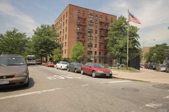 The Brightest 2 Beds/1 Bath Corner Unit Located On The 2nd Fl Of The Building. Part-Time Doorman, Indoor & Outdoor Parking Are Available. Flip Tax = $18 Per Share. The Building Does Not Allow Pets Or Subletting. Board Interview Requires Two Years' Tax Return And Credit Report. Maintenance Includes All Utilities. Only 15 Mins Walking Distance To M & R Train. Few Blocks Away From Queens Shopping Mall.