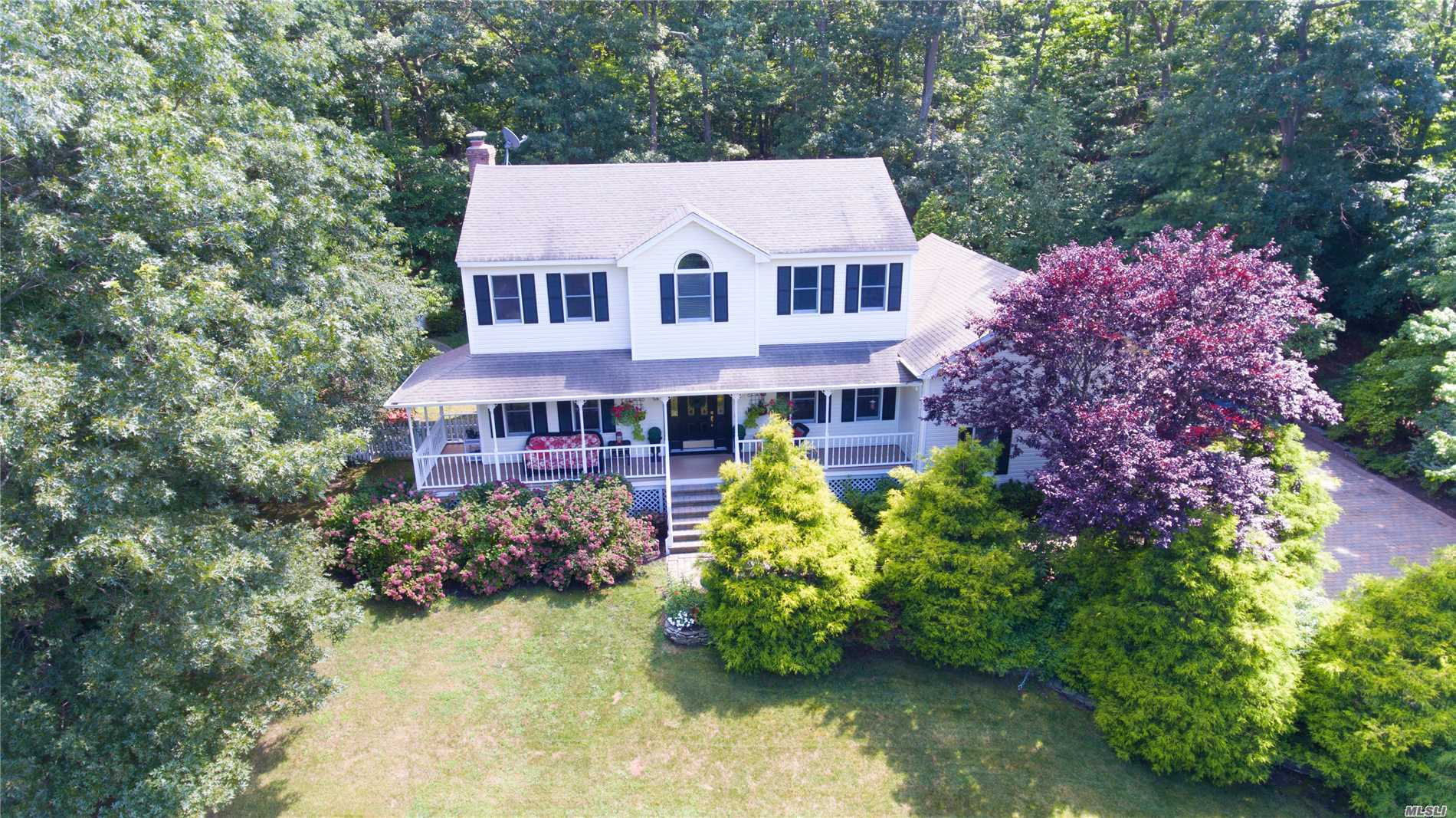 Spacious Colonial In The Desirable Great Rock Development. 4Brs & 4Bth, 9' Ceilings On 1st Floor. Kitchen Updated W/Granite Counters & Stainless Appliances. Den With Fireplace, Oak Floors, Central A/C, 1st Fl. Office Or 5th Br. Approx. 2300 Sq. Ft. 2 Car Garage & Easy To Finished Basement. Private Landscaped Yard. Close To Beach, Farms, Vineyards, Restaurants, Shopping And All North Fork Attractions.