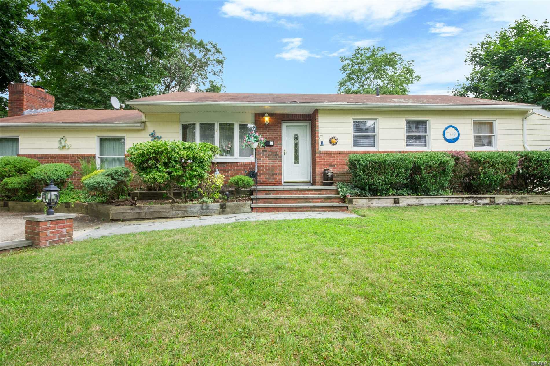 Expanded 3 Bedroom Ranch In Lovely Neighborhood In Award Winning Elwood School District. 3 Bedroom, 2 Bath, Lr, Dr, Family Room, Eik, Wood Floors, Shed, Flat Property, Upgraded Electric, Anderson Windows 12 Years, New Liner In In Ground Pool.
