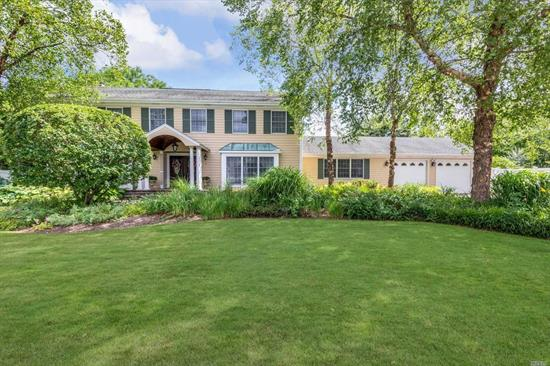 Classic Colonial Loaded W/Fine Appointments, Custom Moldings, Hardwood Floors & Doors. Gourmet Eik W/Dbl Wolf Ovens, Sub Zero Ref & Granite. Den W/Fireplace & Built-In Cabinets. Large Fr W/Bar & Full Bath. Master Suite W/Walk-Ins, Steam Shwr. Private Fenced Yard W/Heated Igp, Koi Pond W/Waterfall, Built-In Bbq & Meticulous Landscape. This Entertainers Paradise Is A Must See!