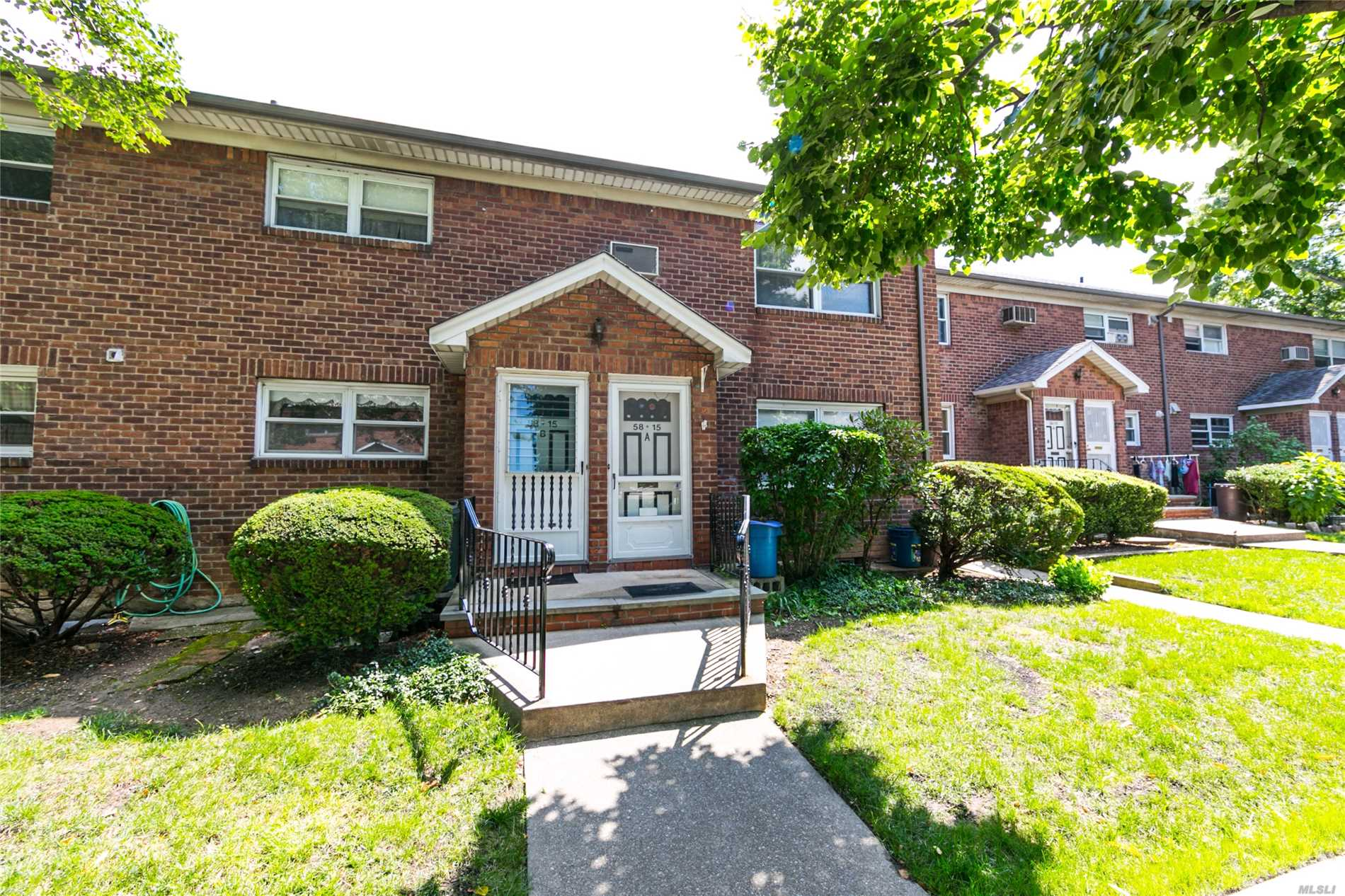Garden Duplex Condo. Full Finished Basement With Half Bath.Newly Painted Bedroom, Large Eat-In Kitchen With Custom Cabinets, Hardwood Floors. Private Front Patio. Nice Quiet Block. Easy Access To Major Highways And Public Transportation (Q31, Q88, Q17 Buses). School District 26: Ps 173, Jhs 216. Well Maintained Development.
