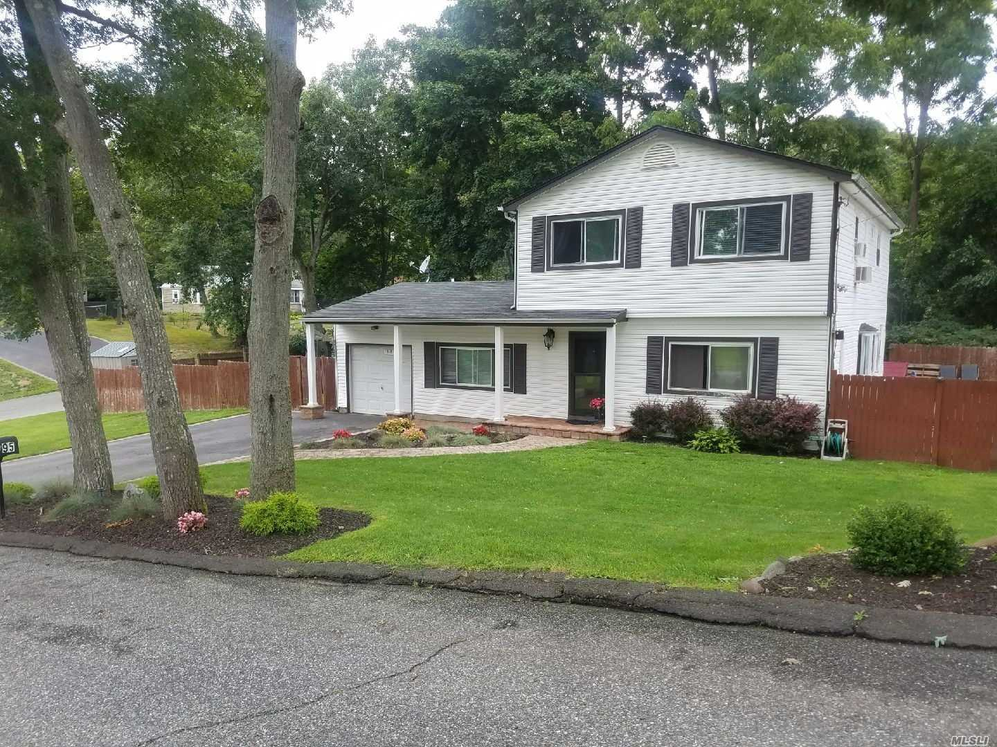 Move Right Into This Large Colonial W/Rm For Mom! Lge Eik/Din Rm Combo W/Maple Cab, Granite, Ss, Nw Flr, New Bths, Recessed Lts, Liv Rm W/Sliders To Deck, Walk In Clst, Fin Bsmnt W/Lndry , Nw Frnt Dr, Nw Slimline Ac W/Room For 4 More Units, 2 Ac Upstairs, 20X40 Ig Pool W/Paver Patio & Walk, 4 Yr Old Liner, 7 Yr Old Plumbing For Pool, Nw 3 Zn Heat, 200 Amp Elec, Vinyl Sided, Plenty O Storage !