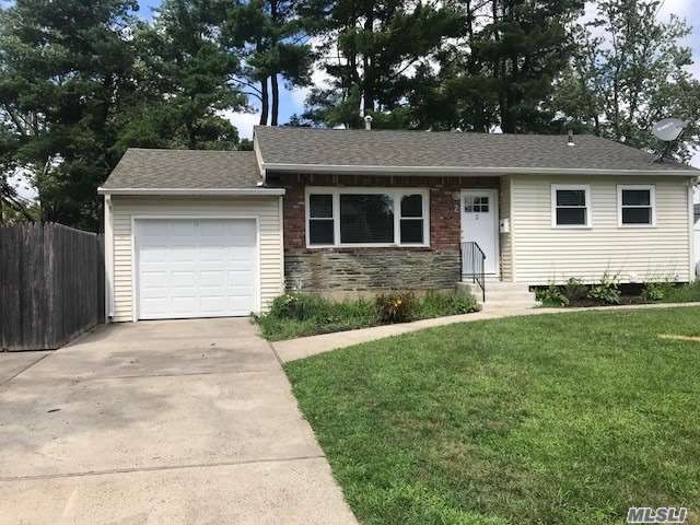 Updated Kitchen With Maple Cabinets, Young Appl's, Updated Windows All Hardwood Floors Through Out. Eat In Kitchen. Flat Fenced Yard W/Brick Patio. Tenant Can Paint Walls A Neutral Color Approved By The Landlord. Pet Friendly!! Move In Ready!!