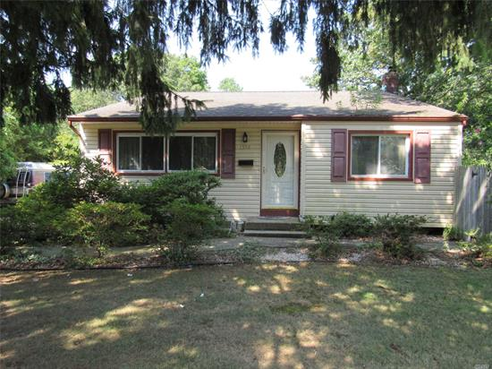 This Move-In Ready Front To Back Split Level Home Features Updated Over Sized Windows, Vaulted Lr Ceilings, Country Eik, Hardwood Floors Under Wall To Wall Carpeting, 3 Brs, 2 Updated Ceramic Baths, Large Den W/Ose, Updated Roof, Siding, Elec, 2.5 Car Detached Garage, Over Sized Property.