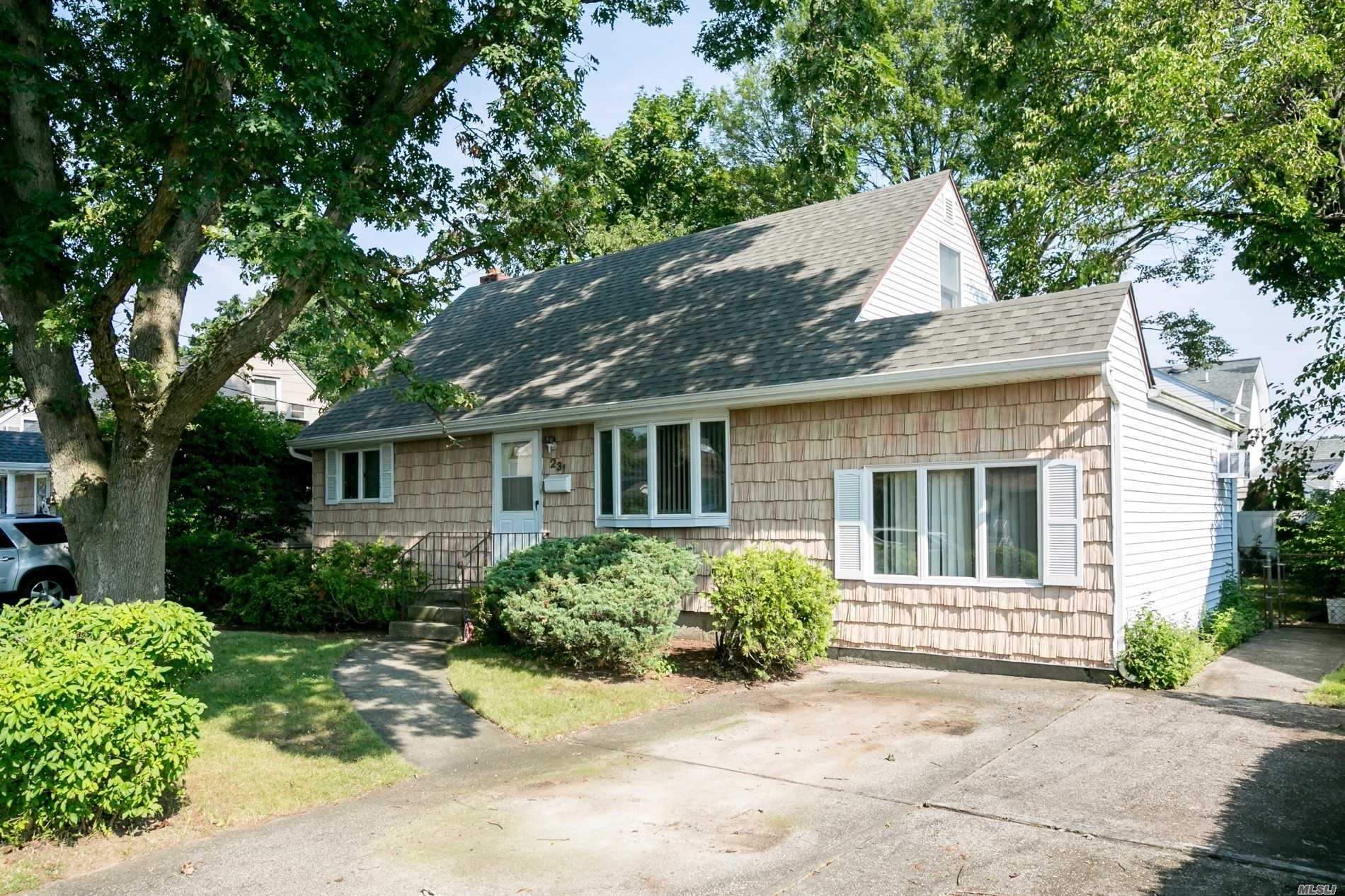 Nice Clean 4 Br, 1 Bth Cape In Plainedge Sd, Mid-Block Location, New Roof, 150 Amps, Andersen Windows, New Carpet, Full Basement.