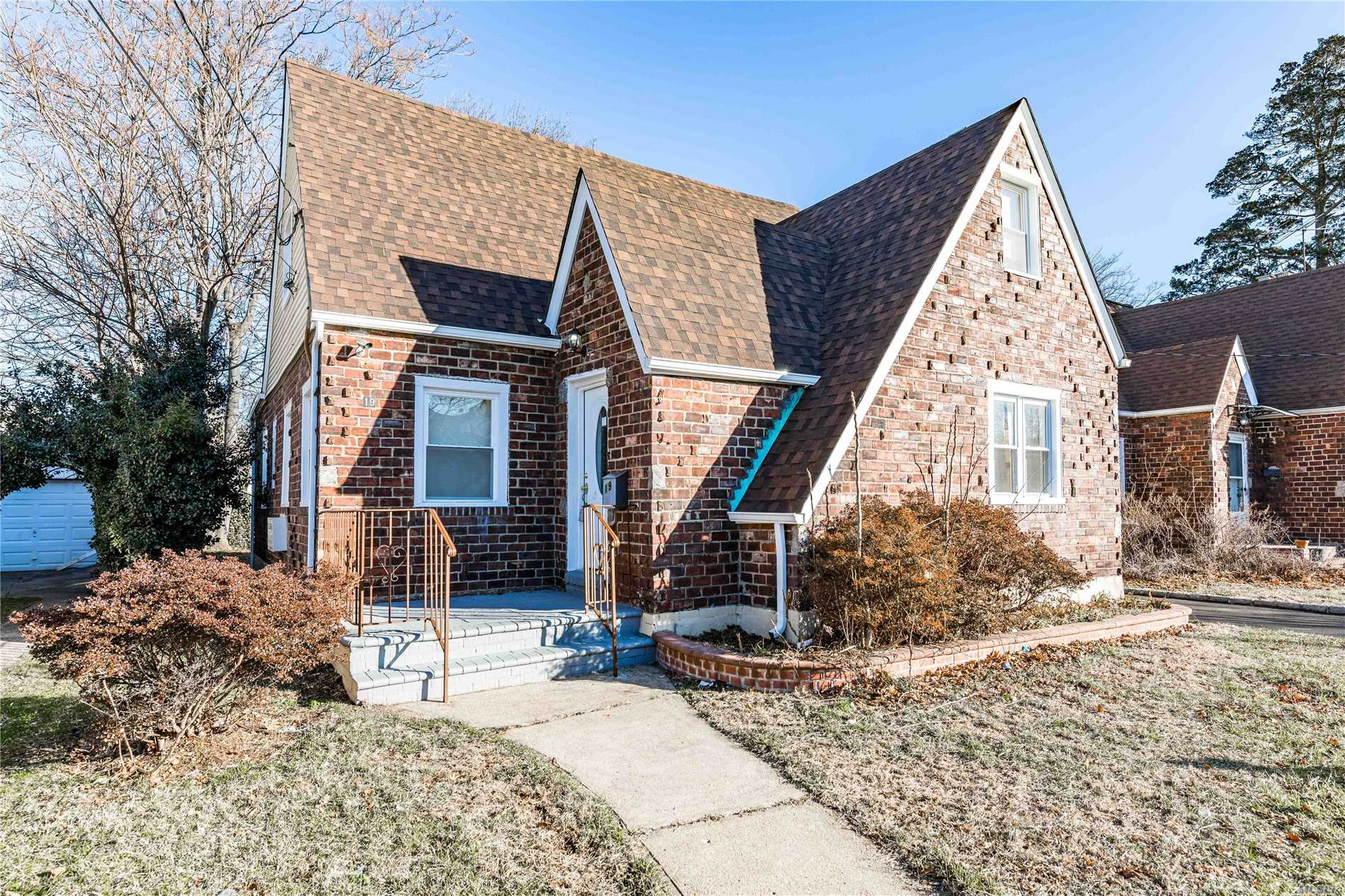 Great Location! Totally Renovated 4 Br Tudor! Uniondale School! Entry Foyer, Lr, Formal Dr, 3 Full Baths, Master Br On The Second Floor! Huge Full Finished Bsmt W/ Pvt Entrance. New Eik W/Stainless Steel Appliances And Granite Countertops! One Car Garage, Long Driveway!
