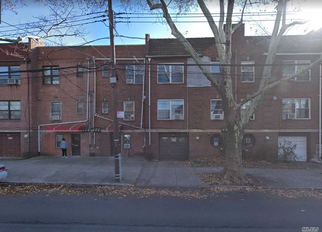 Great Location In Rego Park. Near Ps174 And Rego Center, Super Market.