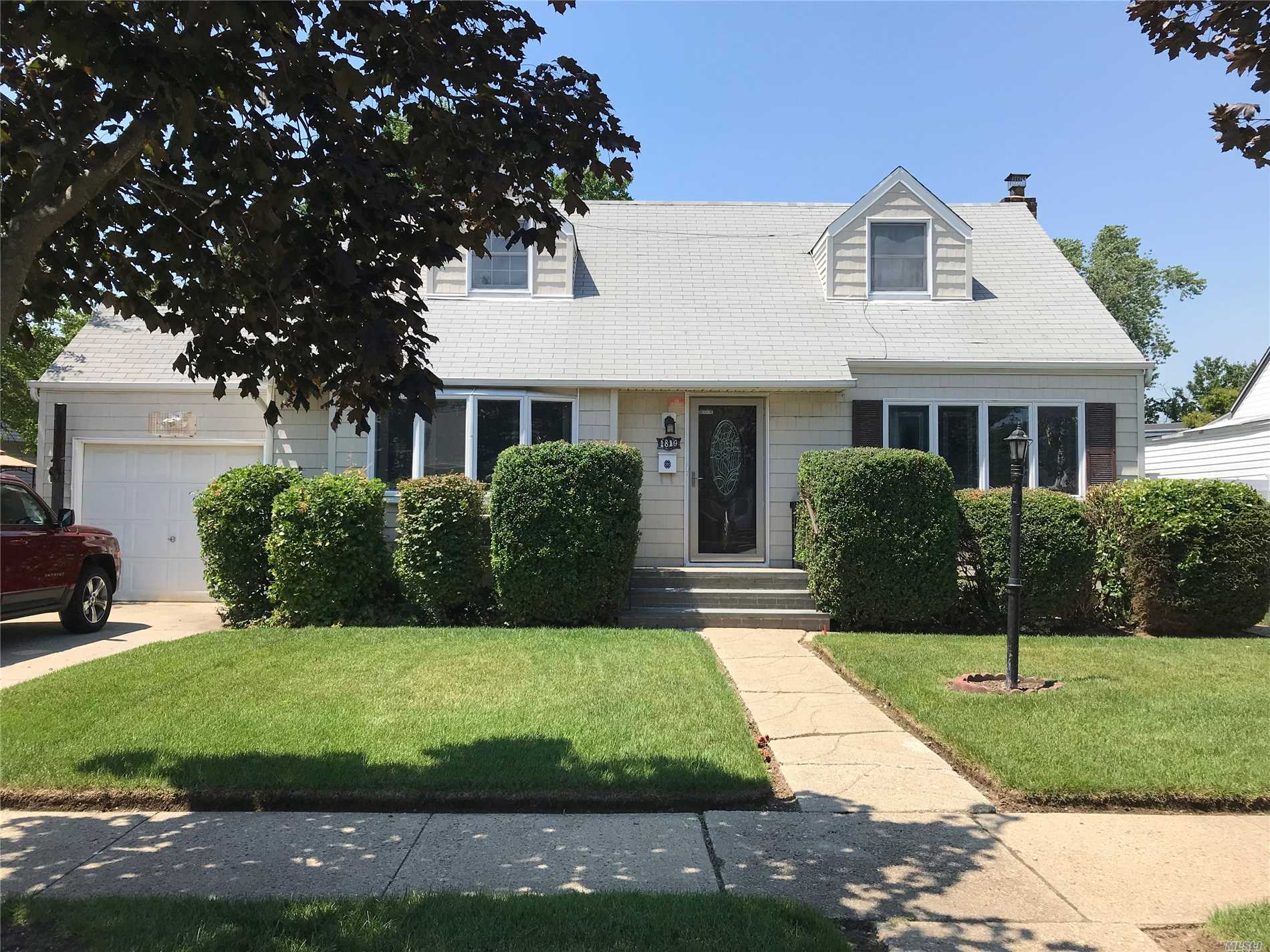 Lovely Cape With An Open Floor Plan. Hardwood Floors, Young Eat In Kitchen W Gas Cooking, Spacious Formal Dining Rm, All Bedrooms Are On 2nd Floor. Roof ( 2014) H/W Heater (2015), Fence ( 2012). Gas Cooking & Dryer . Gas Is In Street For Future Conversion If Desired.