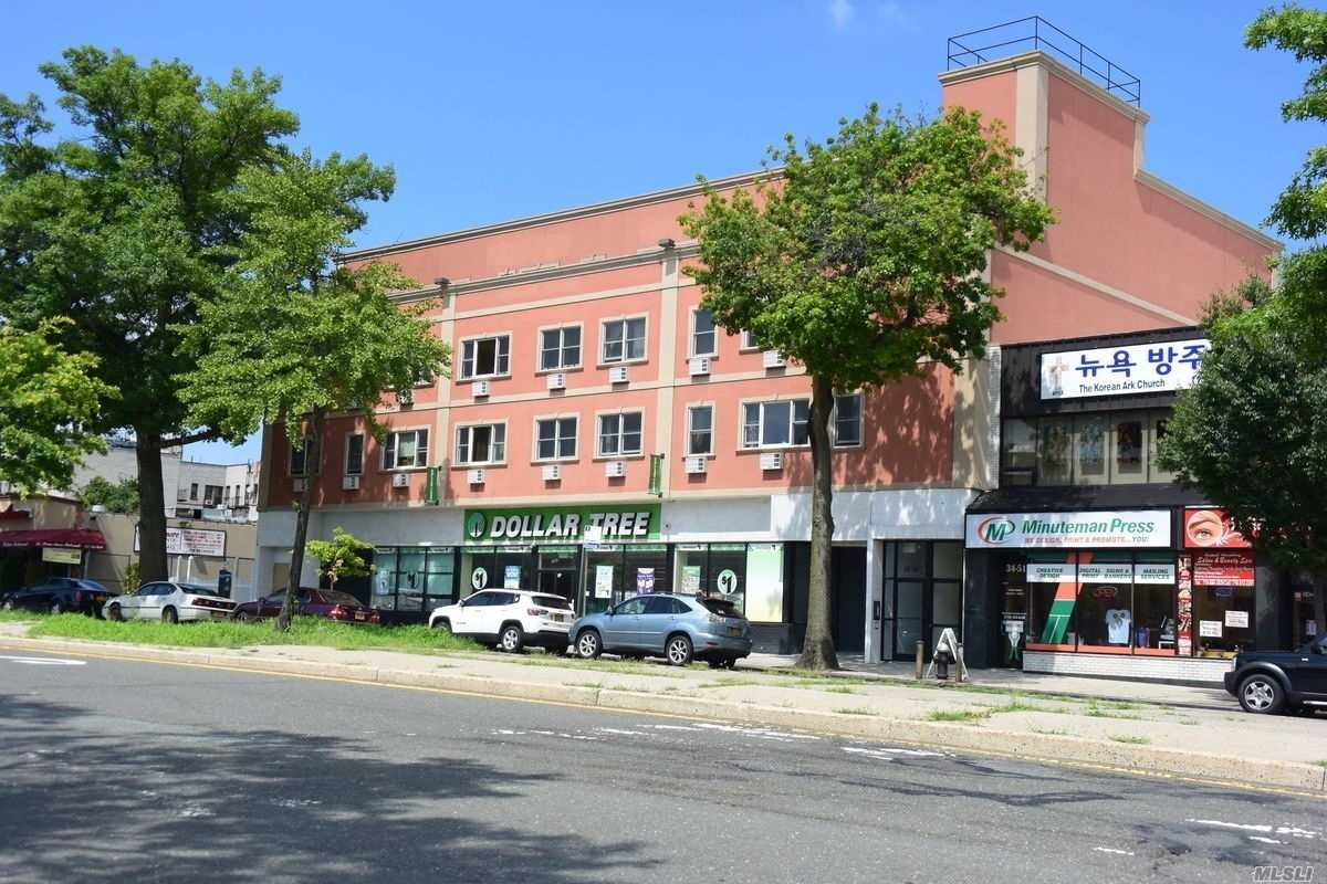 Renovated Spacious 1 Bedroom Apartment, In A Well-Maintained Building. Open Kitchen, Hardwood Floors, Plenty Of Natural Sunlight. The Apartment Comes With 2 A/C Units. Electric Is Not Included.