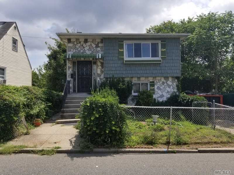 Calling All Builders/Investors~great Oppty-To Buy A Sf Family Home Close To Belmont Redevelopment Site. Auction 3/6/19.