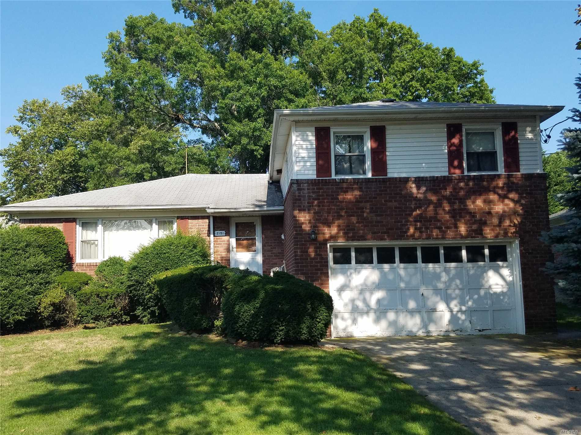 Approved Short Sale. Large Brick Split Level Home That Needs Major Tlc, Has Great Potential. Mid Block Location. Bellmore Sd#7. Currently Has Gas Service For Cooking, Ez Conversion For Heating