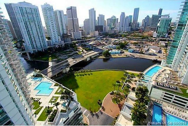 2 Bedroom 2 Bathroom At Ivy Beautiful Panoramic Views Of Miami River, Dowtown, Brickell, Coral Gables.Stainless Steel Kitchen, Wood Floors. Amazing Location, Walking Distance To Brickell City Center, Great Restaurants And Clubs.