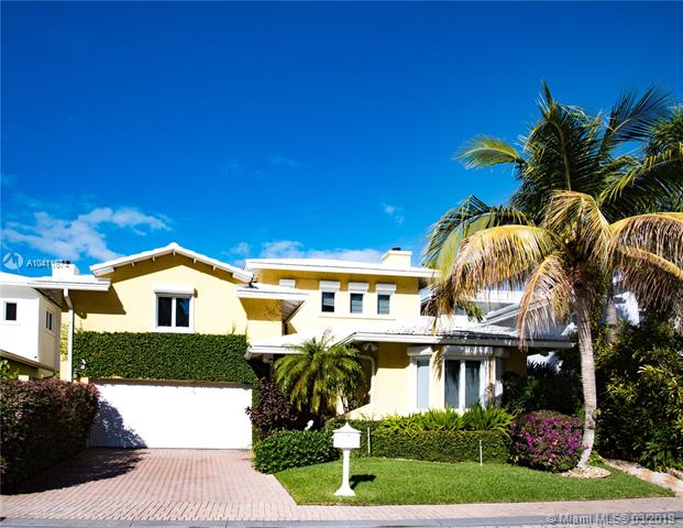 Live In An Amazing Gated Community Within Grand Bay Club In Key Biscayne. Enjoy The Benefits Of A Condominium Association In A House, Which Includes A Private Park, Lawn, Pool And Guard Security. The House Features A Cozy Ambience And Spanish Tile Floors Throughout.