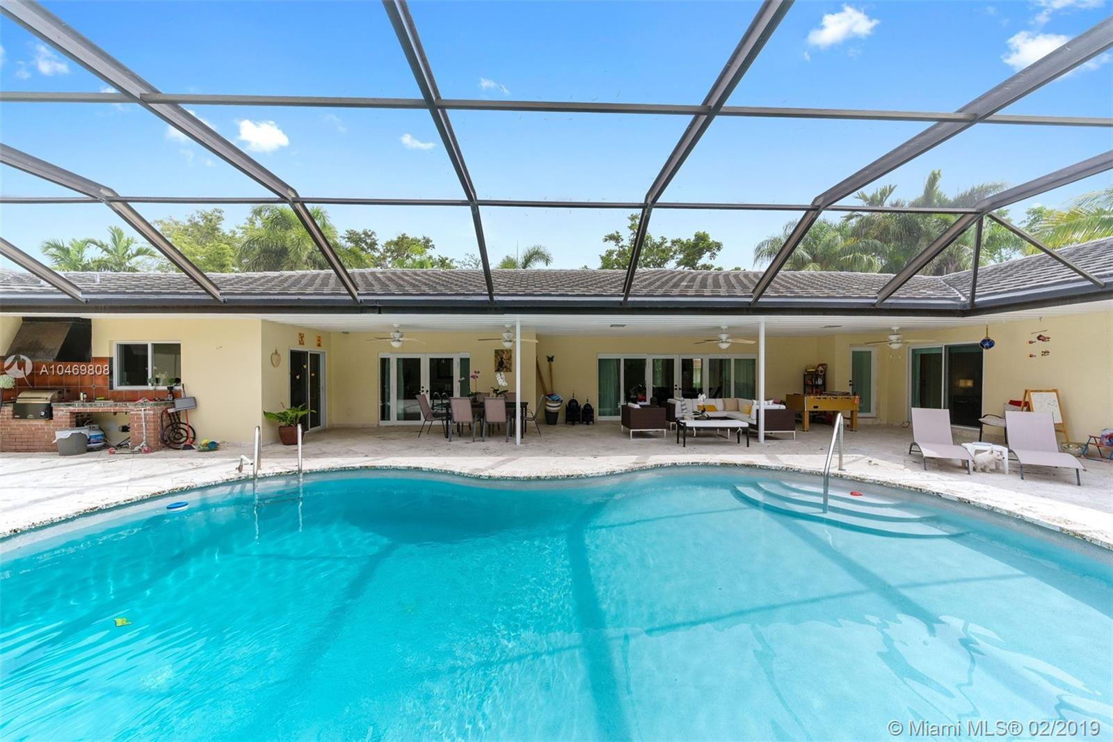 Ideal House For Entertaining With Large Living Areas, Formal Dining And Separate Family Room. Kitchen With Breakfast Bar Opens To Covered Patio And Screened Pool Area. Large Butler'S Pantry. Hallway Off The Kitchen Leads To Interior Laundry And 5Th Bedroom And Bath. The Bedroom Has Its Own Entrance Both From Side Yard And Pool Area, Ideal For Guests Or Live-In. Four Bedrooms On Other Side Of House. Large Master With Walk-In Closet, Original Master With Private Access To Bathroom. Two Children'S Rooms. Roof 2014.
