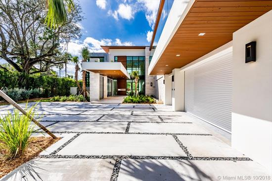 Stunning Brand New Contemporary Private Residence Built On Oversized Lot Of 1.29 Acres In One Of South Miami'S Most Exclusive Neighborhoods Available Now. 7 Bedrooms , 7 Bathrooms + Powder Room Totaling ~10, 700 Sq Ft With No Expense Spared. Separate Guesthouse With Bedroom And Full Bath.<Br />Residence Features 28 Ft Ceilings, Top-Of-The-Line Materials And Custom Finishes Throughout, Private Elevator, 2 Expansive Family Rooms, 3 Car Garage, State Of The Art Miacucina Kitchen, Sub-Zeros, Grand Outdoor Space With Heated Infinity Pool / Spa For Relaxing Nights, Outdoor Summer Kitchen, Private Outdoor Terrace In Master With Glass Railing, Smarthome And So Much More. Close To Miami'S Best Schools And South Miami And Dadeland Mall.