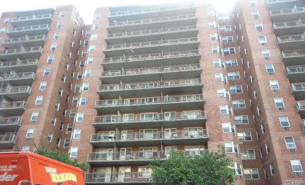 Fantastic, Coop With Large Studio, Modern Kitchen, And One Full Bath. Loaded With Amenities, Doorman, Elevator, Laundry Room, Gymnasium, Community Room, Parking, Outdoor Or Heated Indoor, Walk To Subway, Buses, Lirr, Near By Family Court, And Federal Building. Prime Location!