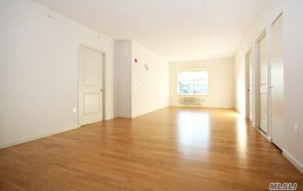Luxury Doorman Building. Hardwood Floors Throughout W/ European Marble Baths. Free Indoor Parking Spots & Fully Equipped Gym In Building. Access To All Major Highways. Close To Restaurants, Shopping, Etc.