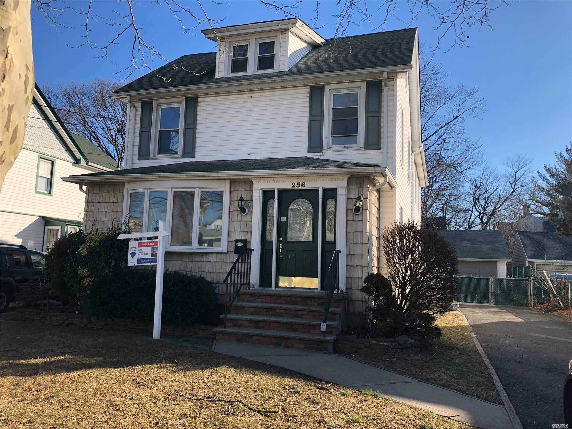 Large Colonial With Tons Of Room. 3 Bedrooms And 3 Baths. Spacious Kitchen With Plenty Of Counterspace. Lynbrook Schools. Close To Shopping, Transportation And Major Roadways