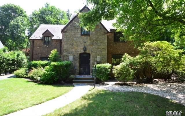 Amazing Opportunity In Desirable & Highly Sought After Russell Gardens, In Top 10 Ranked Great Neck School District. Charming Normandy Brick & Stone Colonial Featuring Gracious Room Sizes With Great Character And Potential. Russel Gardens Hoa Includes Private Pool, Tennis, Park, Snow Clearance, & Garbage. Lakeville Elementary, South Middle & High Schools. Located Within Close Proximity To Town, Lirr, Buses & Major Roadways. A Must See!