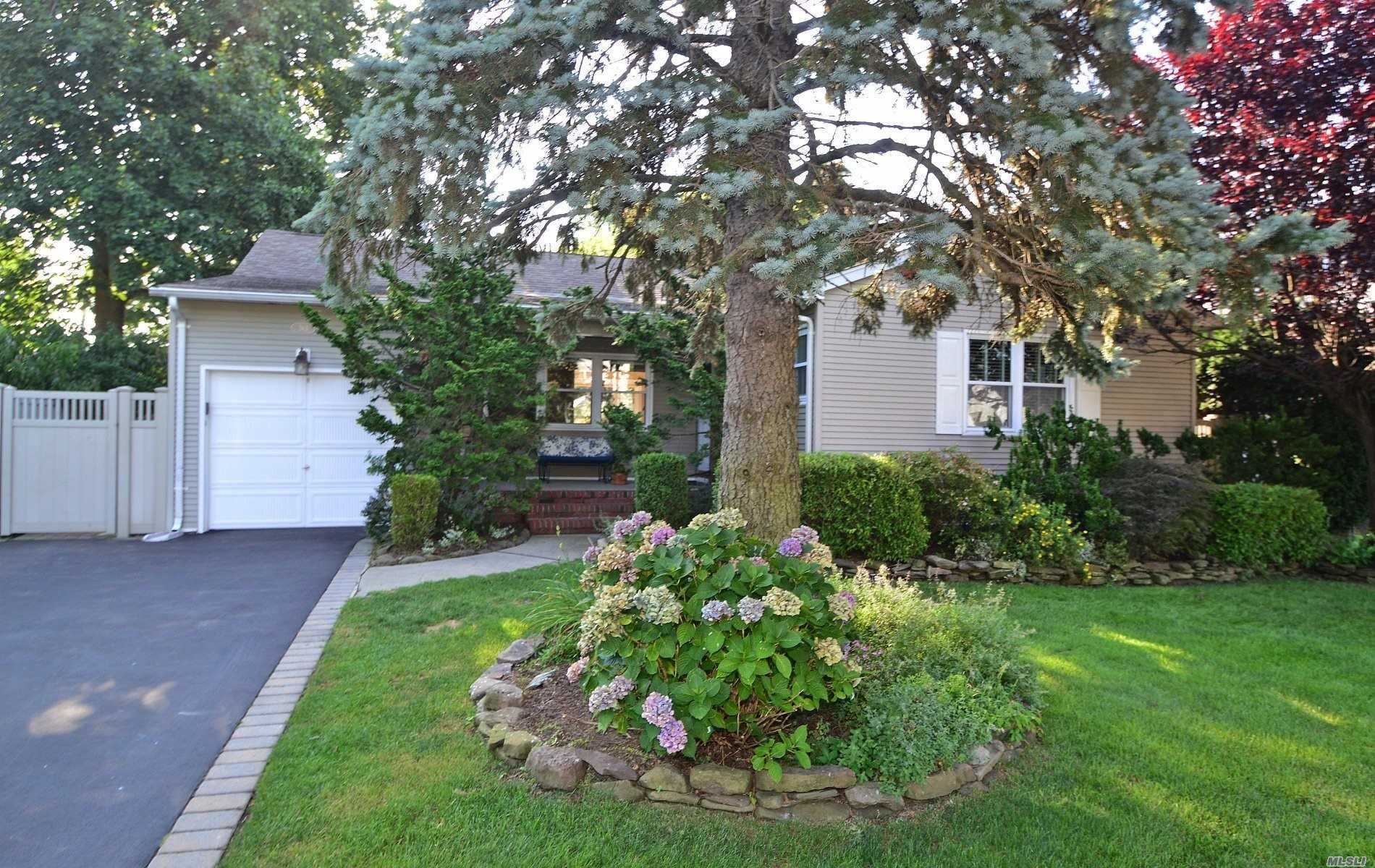 Immac, Ranch 3 Bdrm, 2 Bth, Mb W/ Bath, Cac, Sun Filled Eat-In-Kit With S/S Appl, Double Window Over Lking A Professionally Landscaped Garden/Bay Windows, Skylite, Hd Wd Flrs, Open Floor Plan Create Light N Airy Living Spc Thruout, Liv Rm N Din Rmhave Bay Windows, W/Garden Views That Bring Outdoors In, Home Feels Like An Oasis Is Literally Min From Essentials N Excellent Schl Distr., Home Is Situated On Quiet Street, Low Taxes, Double Size Driveway, Ingr Sprk, 2 Zone Heating, Execersize Rm+Office Bsmt , Fm Rm